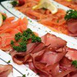 Antipasto salmone e salumi