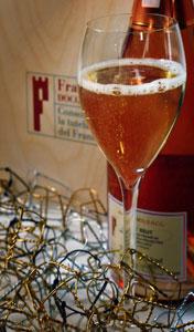 Un calice di Franciacorta rosé