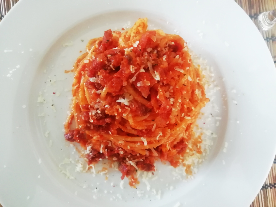 Un piatto di Spaghetti all'Amatriciana